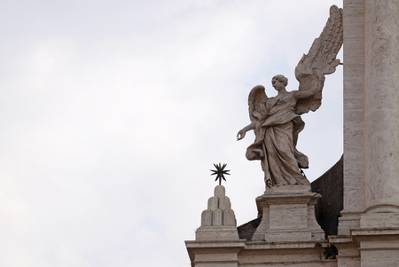 Angel on the portal of Sant Andrea della Valle Church in Rome, Italy Imagens - 120298281
