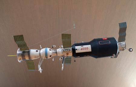 Model radzieckiej stacji orbitalnej, statek kosmiczny Sojuz w Muzeum Techniki im. Nikoli Tesli w Zagrzebiu, Chorwacja
