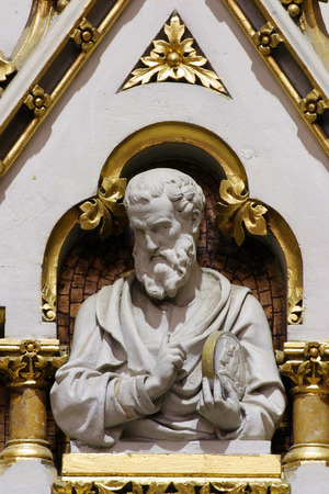 Saint Luke rhe Evangelist, statue on the main altar in Zagreb cathedral dedicated to the Assumption of Mary 報道画像