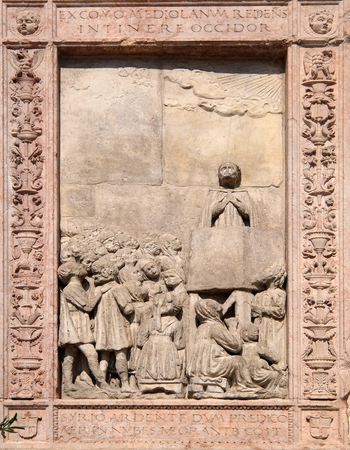 St. Peter of Verona, relief on Facade of Sant`Anastasia Church in Verona, Italy Banque d'images
