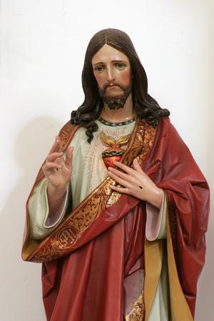 Sacro Cuore di Gesù, statua nella Chiesa di Santa Croce a Sisak, Croazia