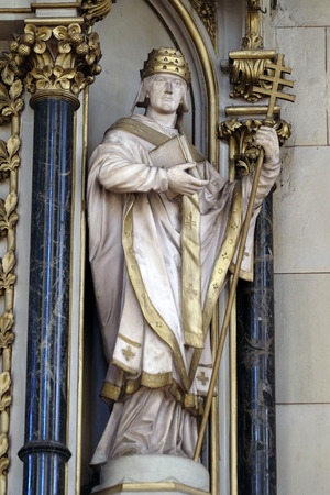 Saint Fabian, statue on the altar of Saint Jerome in Zagreb cathedral dedicated to the Assumption of Mary Stockfoto