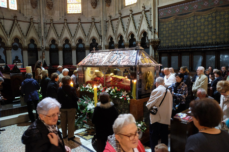 Worshippers gathered around the sarcophagus of Blessed Aloysius Stepinac in Zagreb cathedral, Croatia on April 14, 2016.