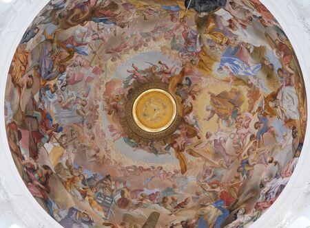 Fresque au plafond par Cosmas Damian Asam dans la basilique Saint-Martin et Oswald à Weingarten, Allemagne