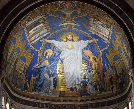 Cristo in maestà è circondato dalla Vergine Maria, Giovanna d'Arco e San Michele, mosaico di Luc-Olivier Merson, Basilica del Sacro Cuore di Gesù a Parigi