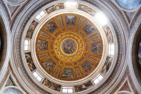 The cupola in Chigi chapel designed by Raphael, painting of the creation story by Francesco Salviati in Church of Santa Maria del Popolo, Rome, Italy Banco de Imagens