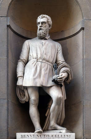 Benvenuto Cellini, statue in the Niches of the Uffizi Colonnade. The first half of the 19th Century they were occupied by 28 statues of famous people in Florence, Italy Stockfoto