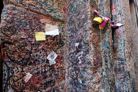 Wall full of messages from lovers in Juliet`s House in Verona, Italy Reklamní fotografie
