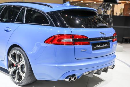motor de carro: Ginebra, Suiza - 02 de marzo 2014: 2014 Jaguar XFR-S Sportbrake presentado en el 84o Sal�n Internacional de Ginebra Editorial