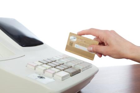 maquina registradora: Cajero tarjeta de crédito de la explotación agrícola en la caja registradora Foto de archivo