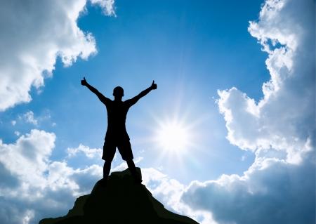 Man op de top van de berg Conceptueel ontwerp