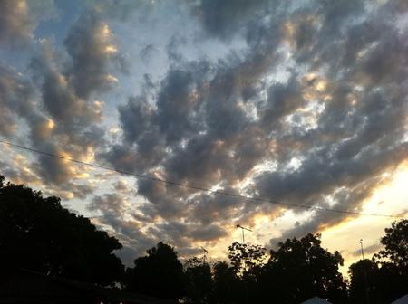 Formaci�n de nubes ocaso incre�ble.