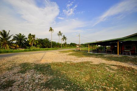 Vista de la aldea en la tarde.