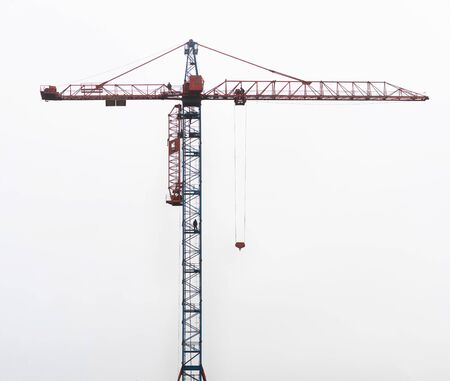 large crane against the sky Imagens