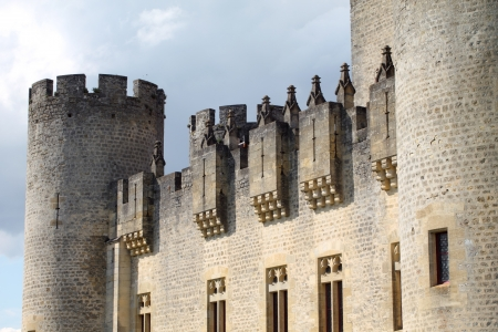 medioevo: Fortezza del Medioevo in Francia Editoriali