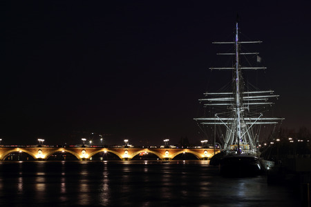 The quays of Bordeaux, the night, the bridge of Pierre