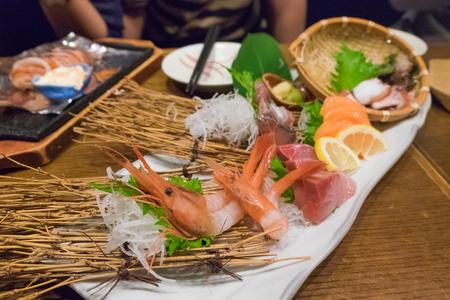 noix saint jacques: Nourriture japonaise sashimi mixte