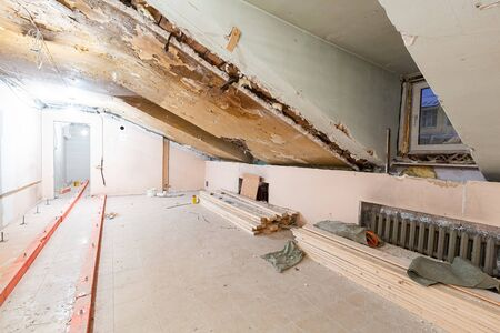 Apartment or room is under construction, remodeling, renovation, overhaul, extension, restoration and reconstruction. Concept of total home improvement 写真素材 - 135527585