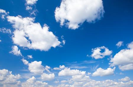 blue sky background with tiny clouds Zdjęcie Seryjne