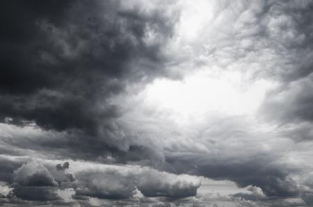 Dark storm clouds before rain Foto de archivo