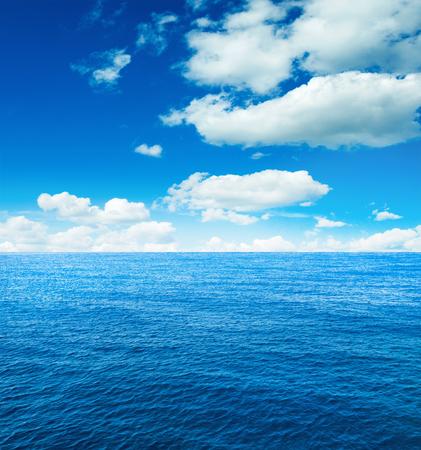 cielo y mar: Mar Caribe y el cielo perfecto