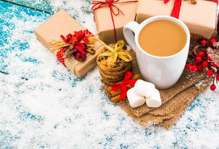 Christmas holiday background with coffee cup Zdjęcie Seryjne