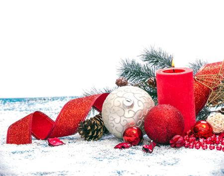 Christmas decoration. Composition on wood background. 版權商用圖片 - 69860864