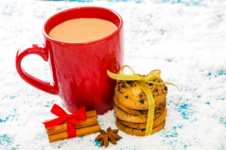 Christmas holiday background with coffee cup 版權商用圖片 - 68372366