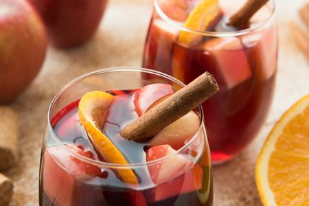 apples and oranges: Winter sangria with apples, oranges and cinnamon