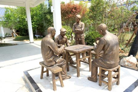 actividades recreativas: Estatua de bronce