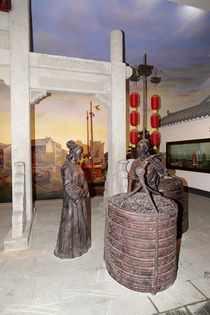 dynasty: Ming and Qing dynasty statue