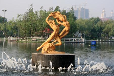 sculptures: Gymnastic sculptures Editorial