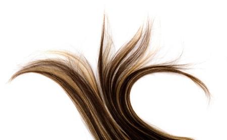 lang bruin haar stijl op een witte achtergrond geïsoleerd