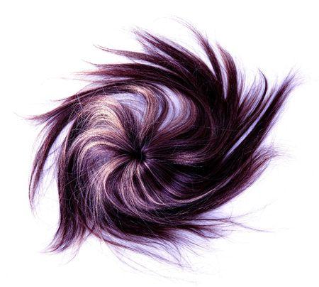 격리 된 흰색 배경에 긴 자주색 머리 스타일