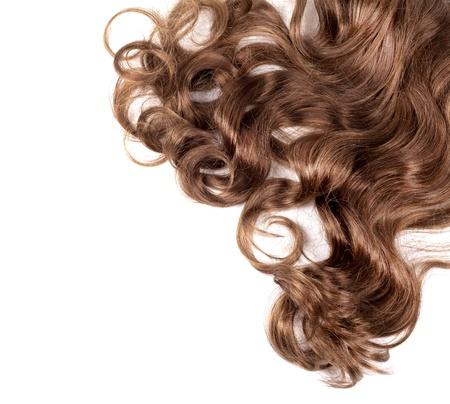 umano, capelli castani su sfondo bianco isolato