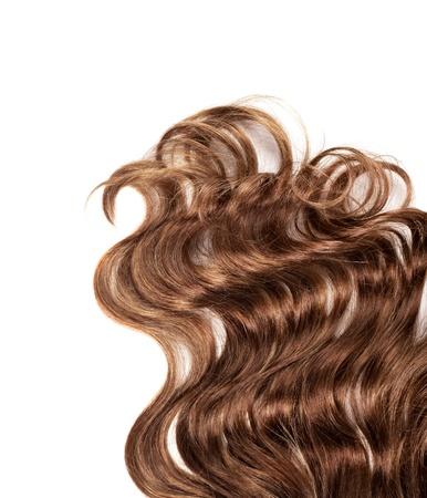 lineas onduladas: cabello humano marr�n sobre fondo blanco aisladas