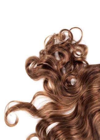 textura pelo: cabello humano marrón sobre fondo blanco aisladas