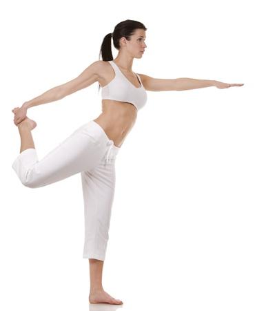 Hübsche Brünette in weißen active wear auf weißem Hintergrund Standard-Bild - 17900156