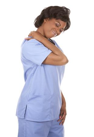 mujeres tristes: enfermera negra vistiendo matorrales sobre fondo blanco aislado