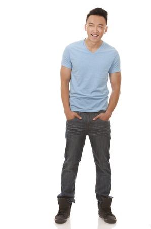 Casual Mann mit blauem T-Shirt und Jeans auf wei?em Hintergrund Standard-Bild - 20603811