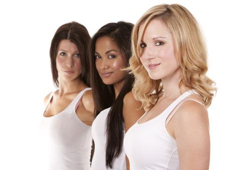 jolie fille: trois belles femmes s'amusent sur fond blanc