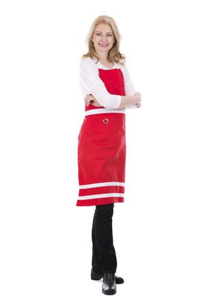 mandil: rubia mujer con delantal rojo sobre fondo blanco aislado