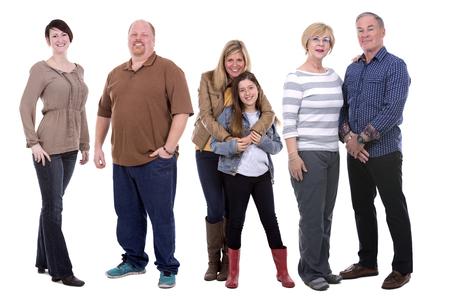 zes mensen dragen casual outfit op een witte achtergrond