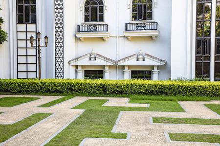 residence: residence exterior