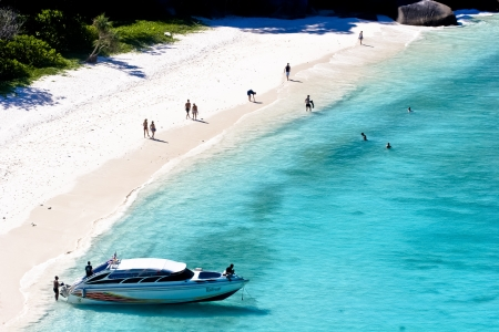 similan islands: Honeymoon Bay on island no. 7 in the Similan Islands. The bay is visited by liveaboard dive boats and speedboats on scuba diving safaris from Phuket and Khao Lak, Thailand.