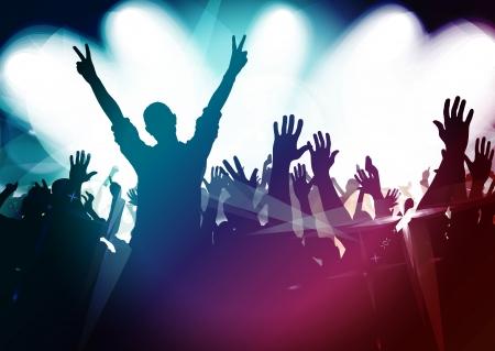 Silhouettes de foule de concert en face de vives lumières de la scène Banque d'images