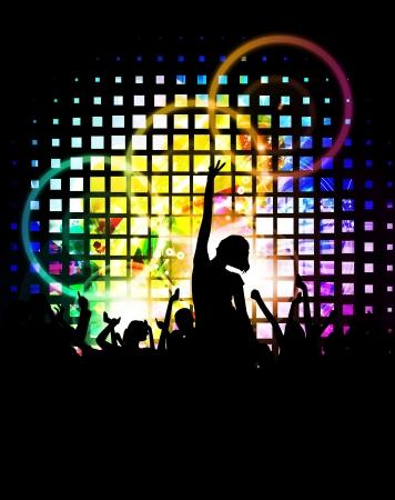 fiestas discoteca: Muchedumbre que anima en el concierto de m?a