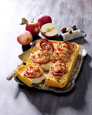 Apple rose cream tart. Banque d'images