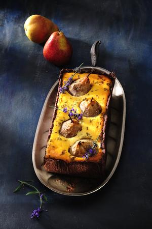 Pear cheesecake. 免版税图像