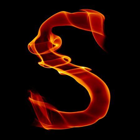 Une lettre de l'alphabet du titre de fumée d'incendie isolé sur noir Banque d'images - 6658446